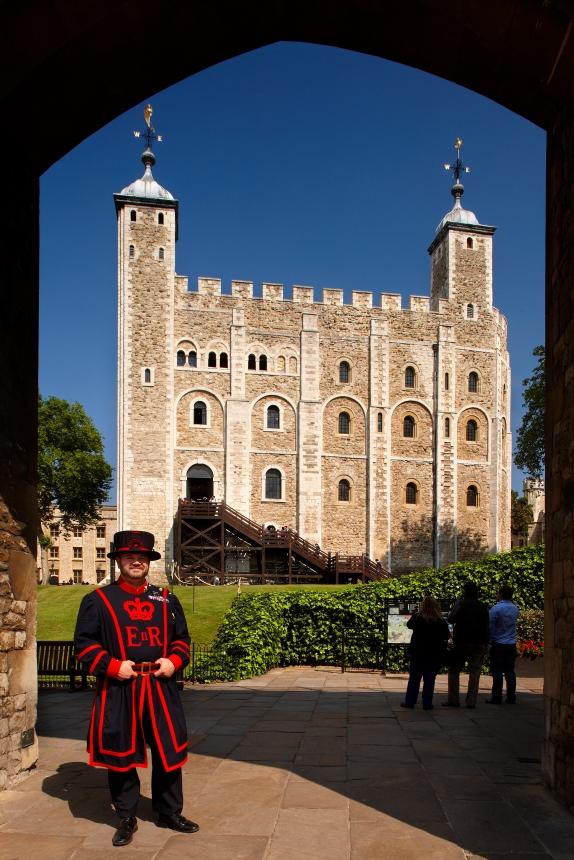 tower-of-london-vb-historic-royal-palaces
